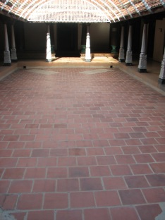 Karaikudi mansion courtyard